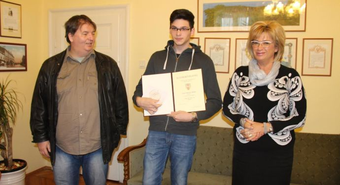 15 éves és már sakkmester a táti fiú