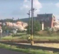 Felrobbantották a brikettgyár egyik épületét