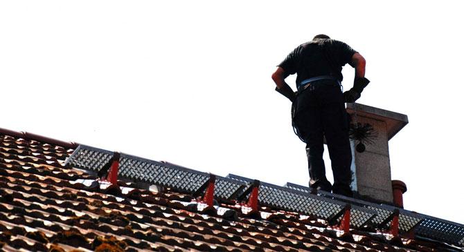 Megszűnik az egylakásos épületek kötelező kéményellenőrzése