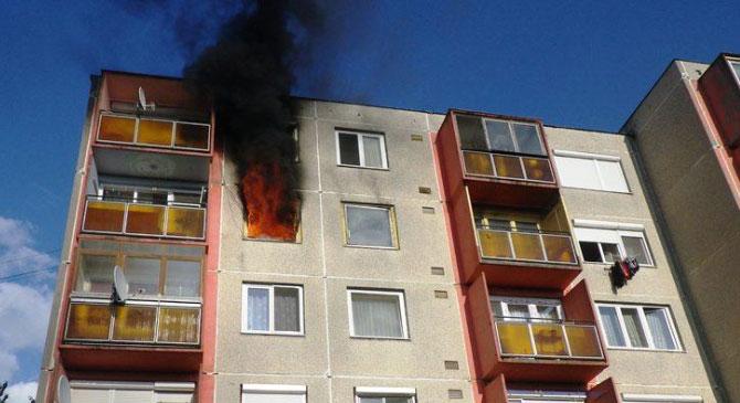Tűz ütött ki egy dorogi lakás erkélyén
