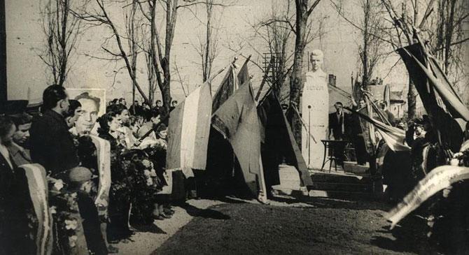 Dorogi Barangolások: Petőfi-szobor