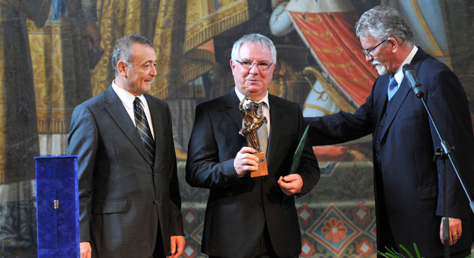 Szent István-díjjal tüntették ki a Duna Televíziót Esztergomban