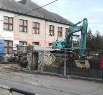Hétfőtől lezárják a dorogi Iskola utcát
