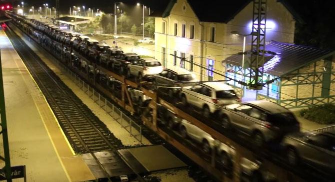 Kiderült miért parkoltak Dorogon a tehervonatok