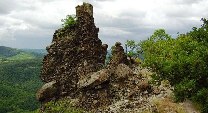 Sérült turistát mentettek ki a Vadálló-köveknél