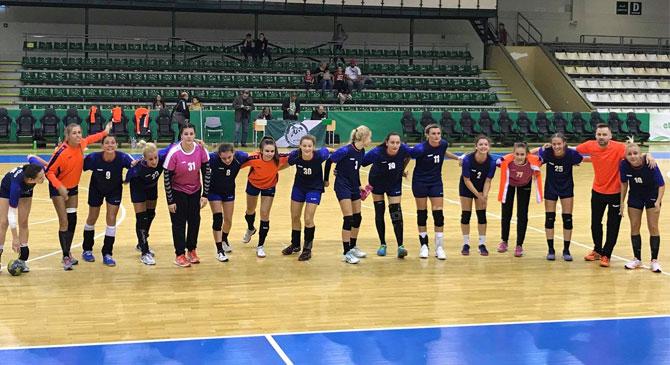 Győrben remekeltek a dorogi kézis lányok