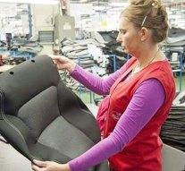 Az új móri üzemben is gyártanak az üléshuzatokat az esztergomi Suzukinak