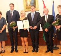 Megyénk büszkeségei – gazdára találtak a megyei közgyűlés díjai