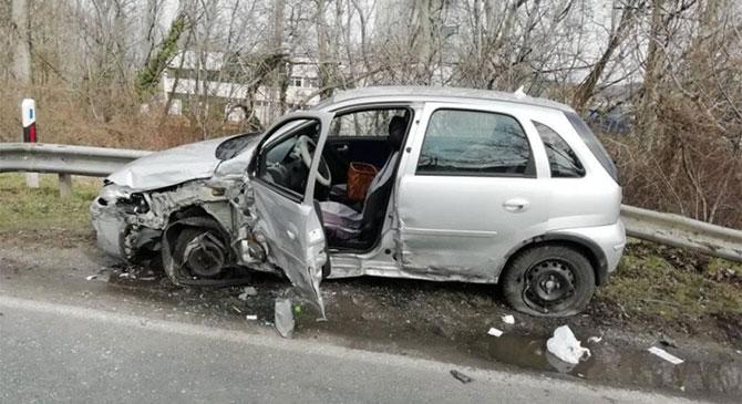Két személy sérült meg a tegnapi dorogi balesetben
