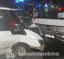 Fotók a tokodi buszos balesetről