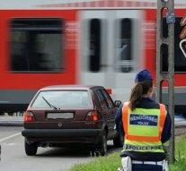 Országos ellenőrzést tart a MÁV és a rendőrség a vasúti átjárókban