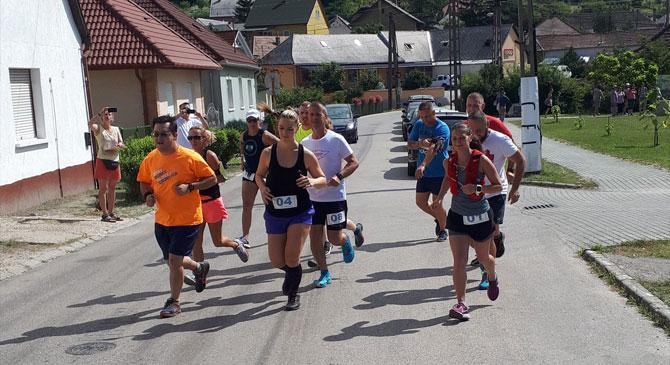 Közel ötvenen küzdöttek meg a Bányász Félmaratonon