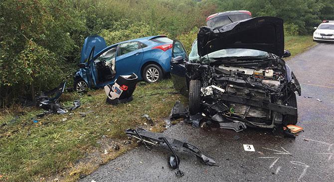 Két autó ütközött össze Tokodnál