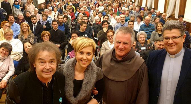 Színes társaságban készülnek a katolikus világeseményre