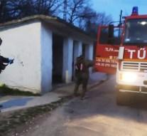 Önkéntes tűzoltók fertőtlenítik a sárisápi közterületeket