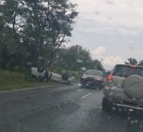 Felborult egy autó a 11-es úton
