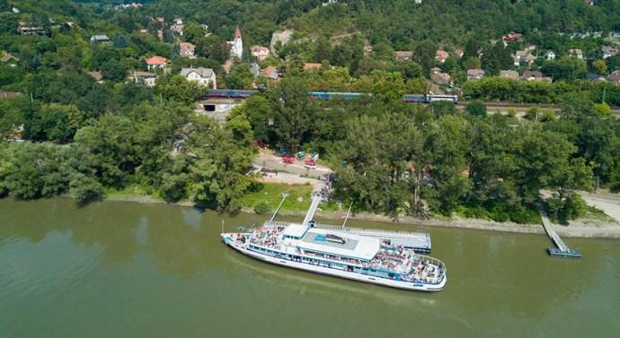 Az októberi hétvégéken is lehet utazni Dunakanyar Napijeggyel