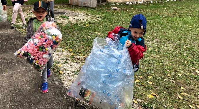 Több száz kilogrammnyi újrahasznosítható szemét gyűlt össze