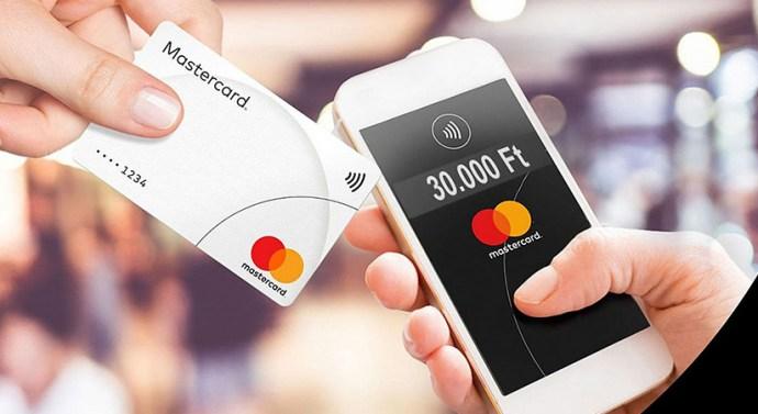 Okostelefonnal is fogadhatnak kártyás fizetést a magyar kereskedők