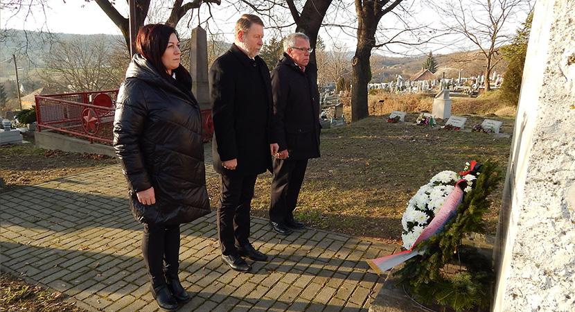 A bányaszerencsétlenség áldozataira emlékeztek Sárisápon
