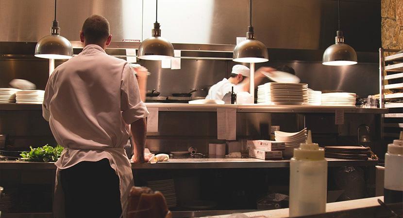 Az éttermekben továbbra is lesz lehetőség elviteles vásárlásra