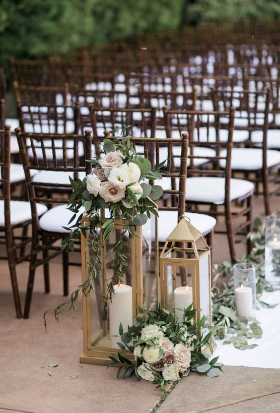 Ceremonia Ślubna, Dekoracje przejścia Pary Młodej, Tło ceremonii ślubnej, Dekoracje Ślubu w Plenerze, Dekoracje ślubne, Trendy ślubne, Lampiony, Płatki do ślubu, dekoracje krzeseł - ławek