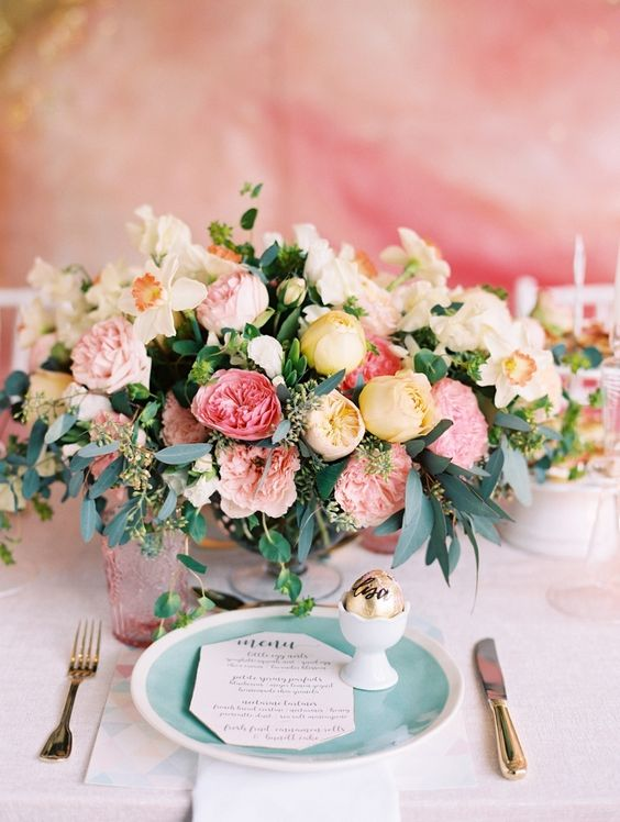 Ślub wiosną, Pomysły na ślub, Kwiatowe dekoracje, Kwiatowe pomysły, Ślubne inspiracje, Wiosenny ślub, Trendy ślubne, Wiosna