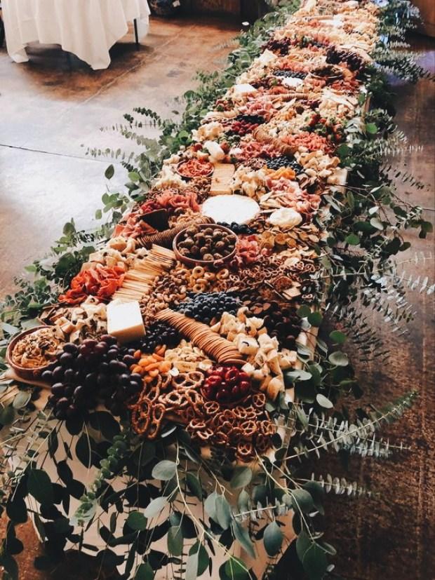 Dekoracje ślubne 2020, bufet weselny 2020, bufet rustykalny, wesele rustykalne, trendy ślubne 2020, inspiracje ślubne, bufet na wesele, planowanie wesela
