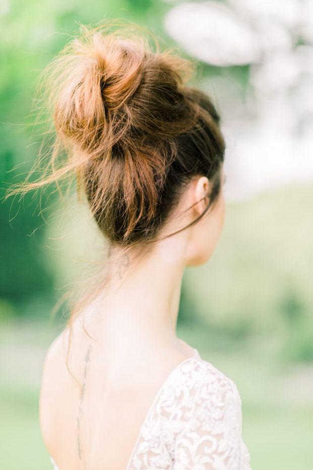 Upięcia ślubne, Fryzury ślubne 2020, Trendy ślubne 2020, ślub 2020, Wedding hair trends 2020, Wedding Trends 2020, Flower bouquets hair, Kwiaty do ślubu, inspiracje ślubne, ślubny lookbook, blog ślubny