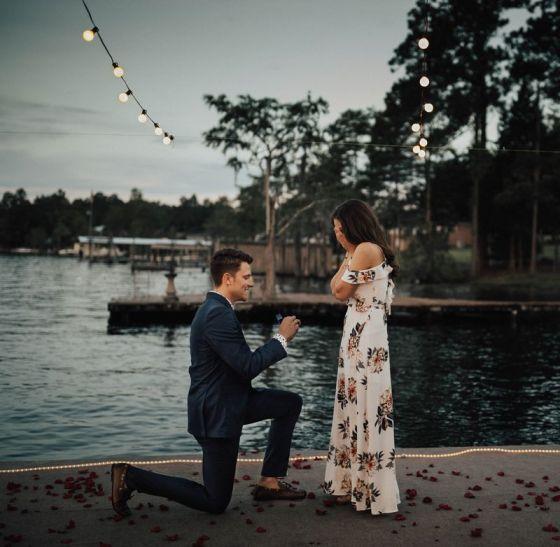Zaręczyny i co dalej - co warto zrobić po zaręczynach, pierścionek zaręczynowy, moment zaręczyn, oświadczyny