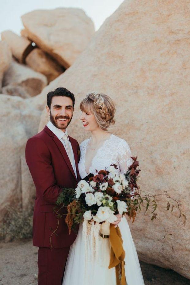 Garnitury bordowe do ślubu, modne garntury ślubne, kolorowe garnitury, Colorful Groom Attire