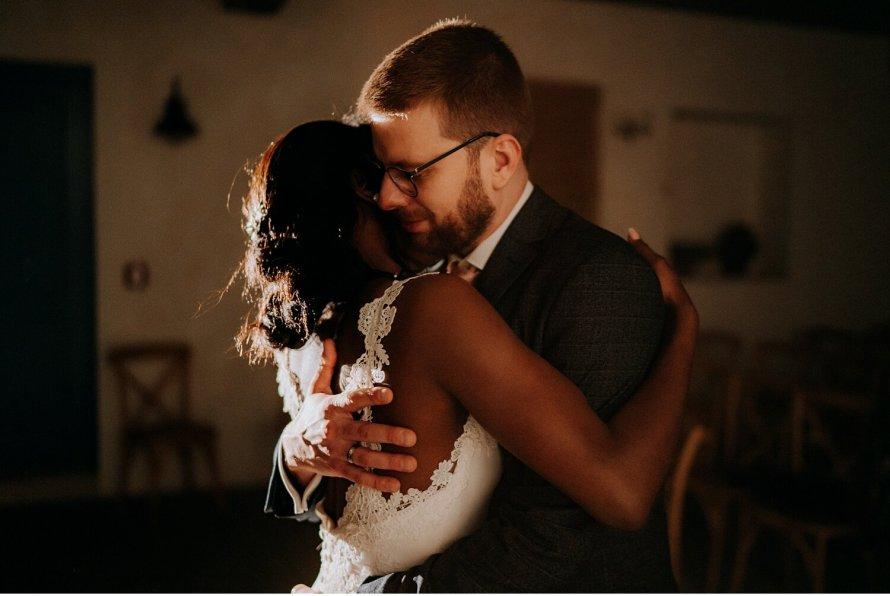 Miłość trwa wiecznie, historia miłosna pary młodej, najpiękniejsze momenty ślubne, wesele międzynarodowe, ślub międzynarodowy, wesele w Krakowie