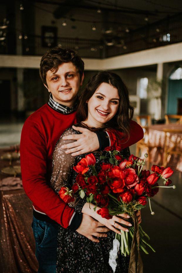 Idealne zaręczyny, para zaręczynowa, gratulacje z okazji zaręczyn, życzenia zaręczynowe, Idealne zareczyny, jak zaplanować zaręczyny, gdzie zaplanować zaręczyny, Oświadczyny, Oświadczyny w Krakowie, Moment Oświadczyn, Jak się oświadczyć, zaręczyny w Krakowie