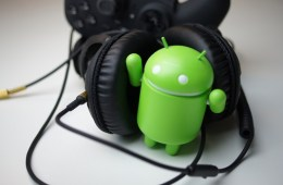 Android-accessories-summer-travelling