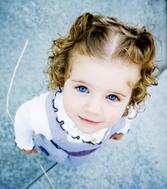 Cute-toddler-girl-babies-4613727-326-368