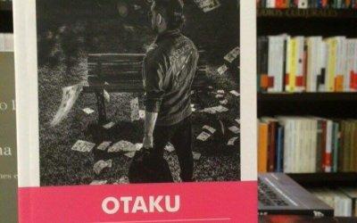 Reseña a Otaku de Paula Brecciaroli,  por Renso Gómez