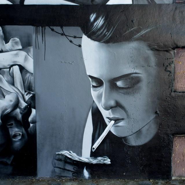 2013-06-03 X100 Graffiti Frankfurt Friedensbrücke 013