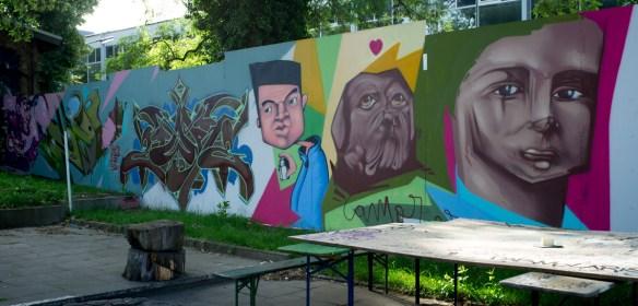 2013-06-25 X100 Graffiti Wiesbaden Kontext 001