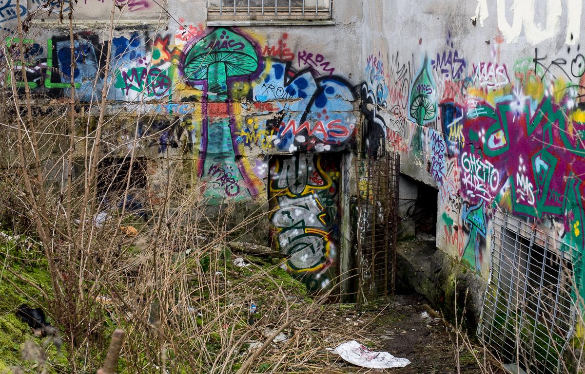 2014-01-29 EM1 Graffiti Frankfurt Ostbahnhof 004