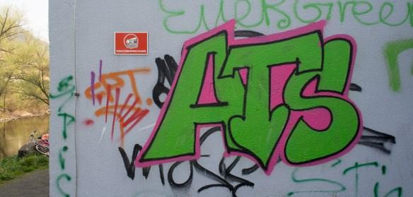 2014-03-30 EM1 Graffiti Gelnhausen 0009