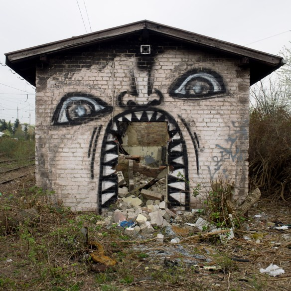 2014-04-03 EM1 Graffiti Mainz-Kastel 0002