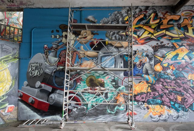 2015-06-18 EM1 Graffiti Mainz-Kastel MOS 2015 0142