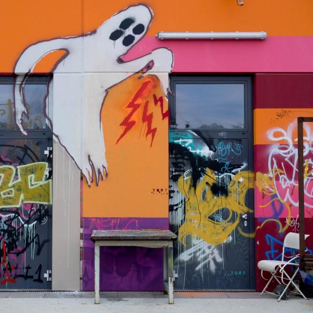 Stuhl mit Aussicht Graffiti Schlachthof Wiesbaden