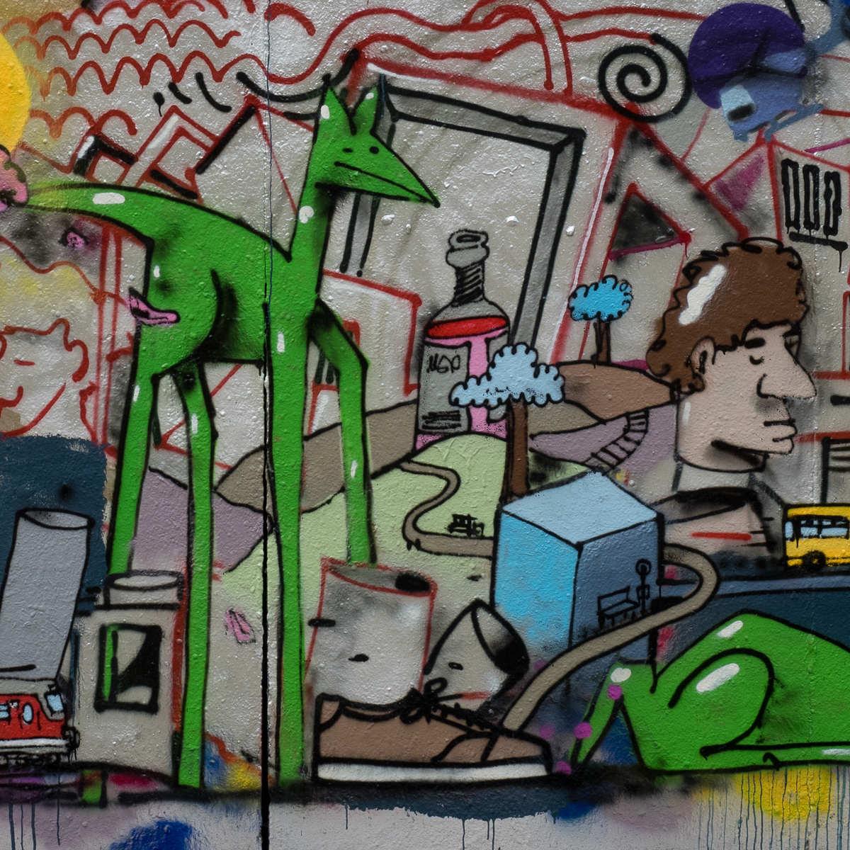 Frankfurt - Kunst by Lebsch Fryday im Hof der Naxoshalle - Time is running