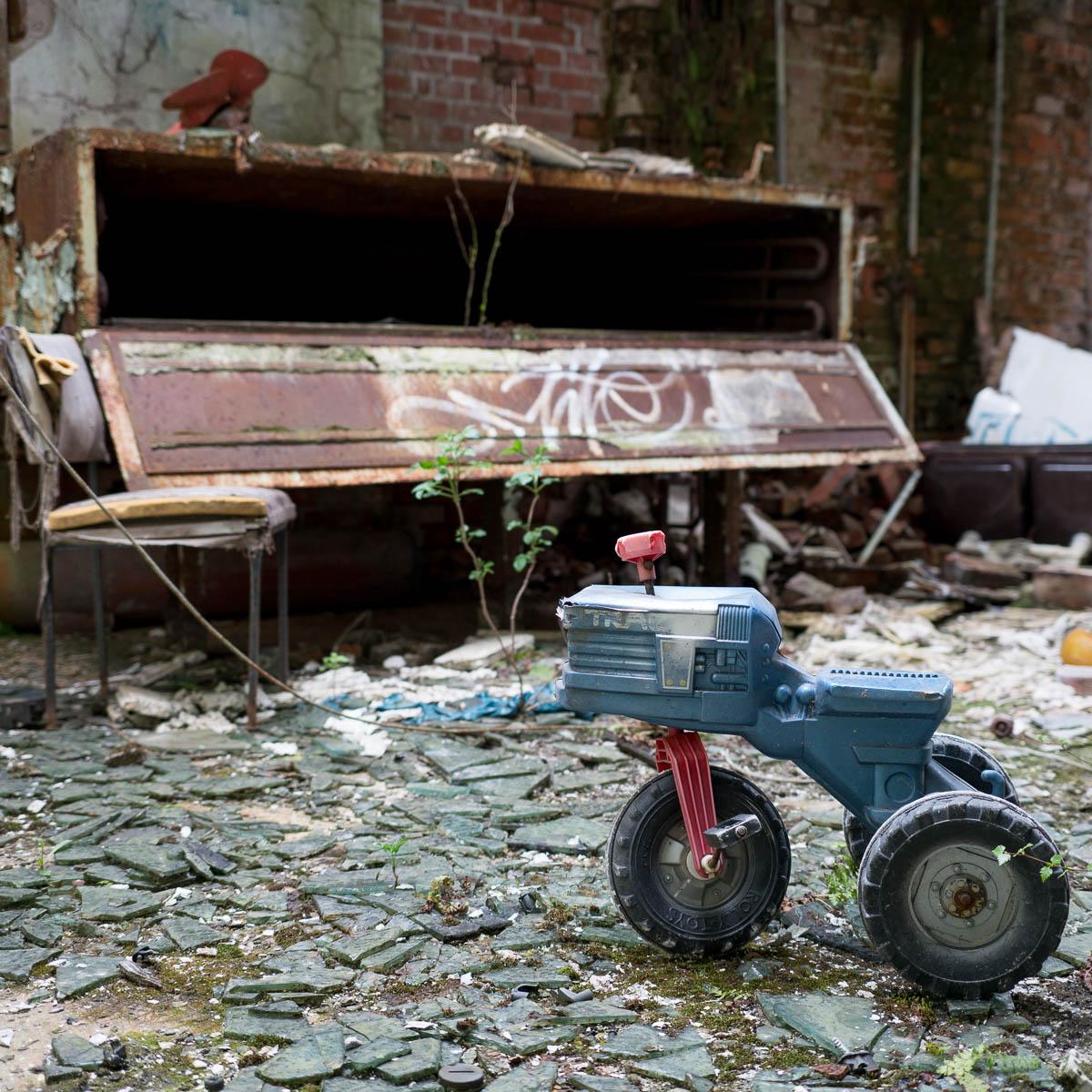 Ruheorte – Stuhl mit Aussichten auf Spielzeug (36)