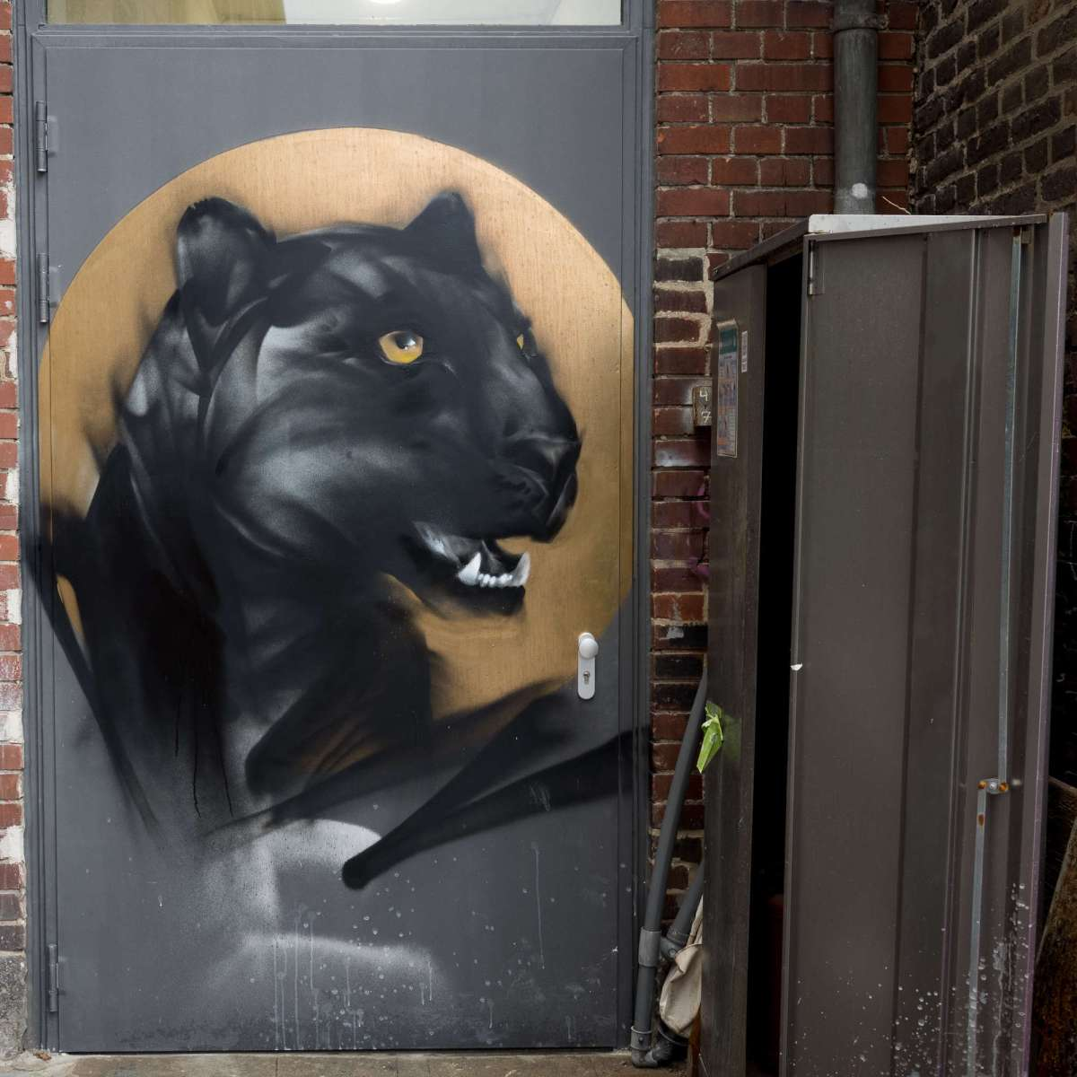 Graffiti in Frankfurt - Black Panther an der Naxoshalle