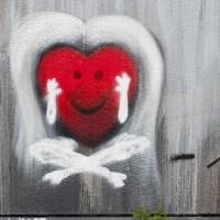 Was ist Liebe? - Serie von Schwarz-Weiß Graffiti in Bad Vilbel