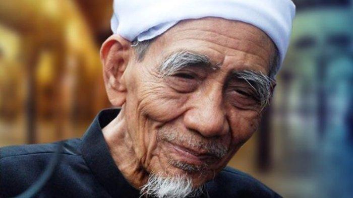 KH. Maimun Zubair Meninggal Dihari yang Mulia