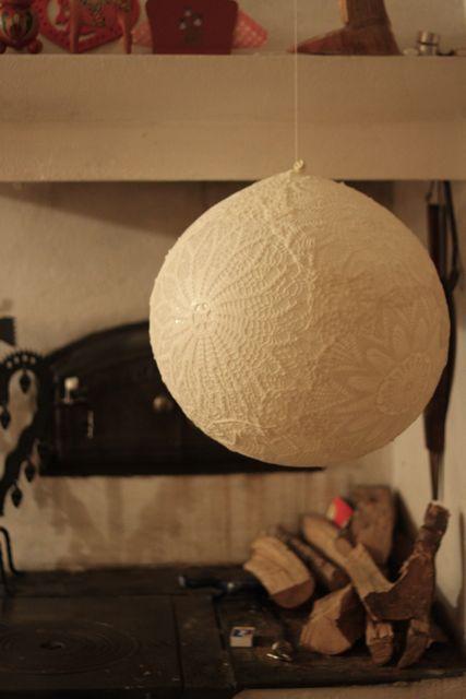 Lace lampDoiliy Lamp – DIY – Dos Family