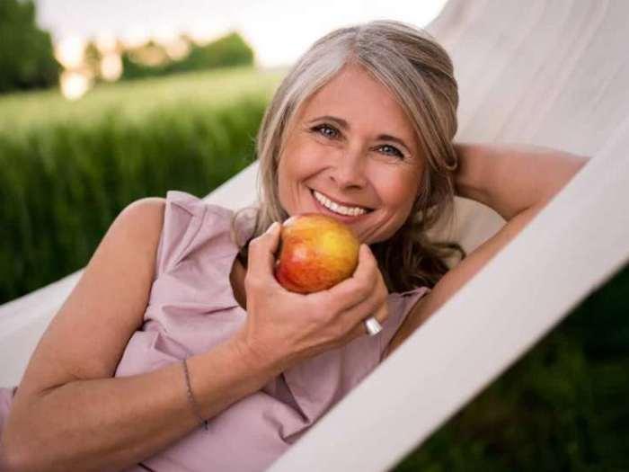 Какие витамины и микроэлементы нужны вам в 20, 30, 40, 50 и 60 лет